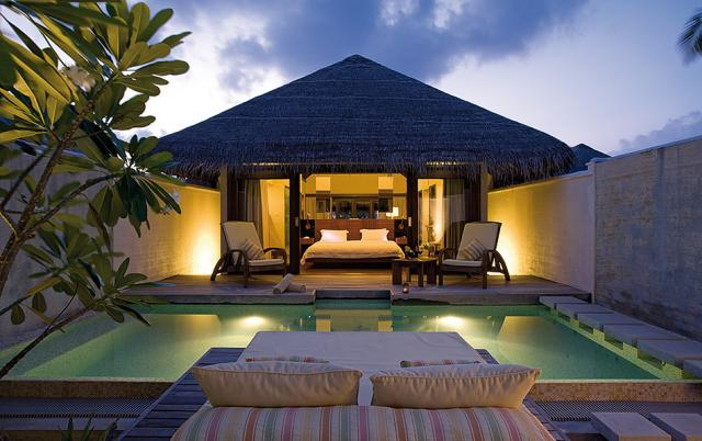 Отель Coco Palm Bodu Hithi 5*